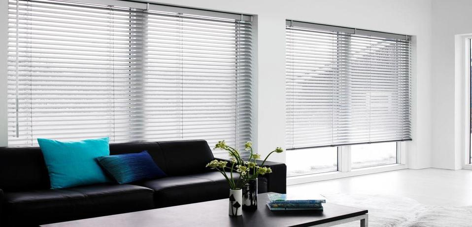 We Are Dealing In Roller Blinds Vertical Zebra Triple Shade Wooden Venetian And All Types Of Industrial Curtain